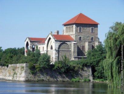 castillo Tata